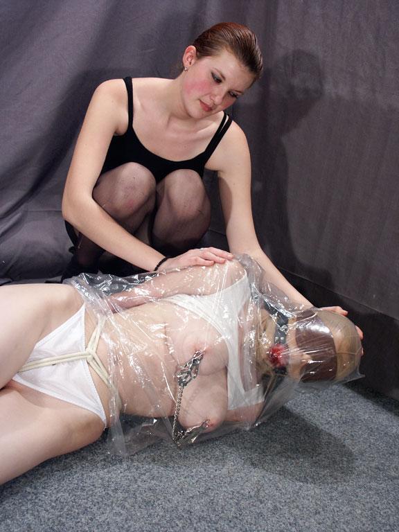 Free mummified femdom porn pics